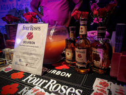 Fourroses display
